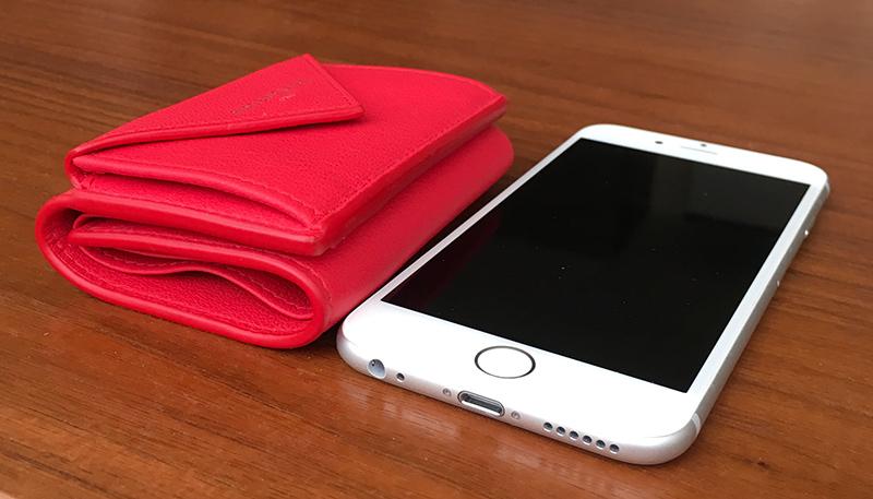 ミニ財布とiPhone8